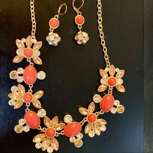 Jewelry - Necklace/Earring set.
